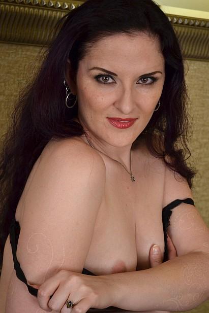 Amateur Sex Model Caroline Pierce