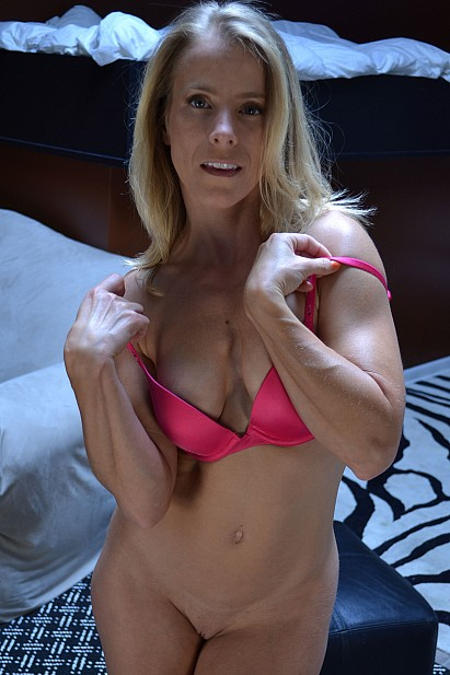Amateur Sex Model Skyla
