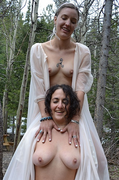 Amateur Sex Model Sage & Simona