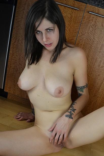 Amateur Sex Model Luna Luv