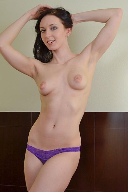 Amateur Sex Model Ivy London Lynn