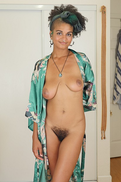 Amateur Sex Model Lola Rose