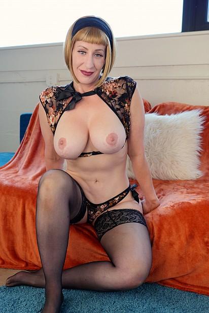 Amateur Sex Model Starlette