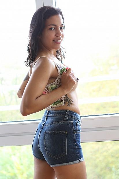 Amateur Sex Model Lina Bembe
