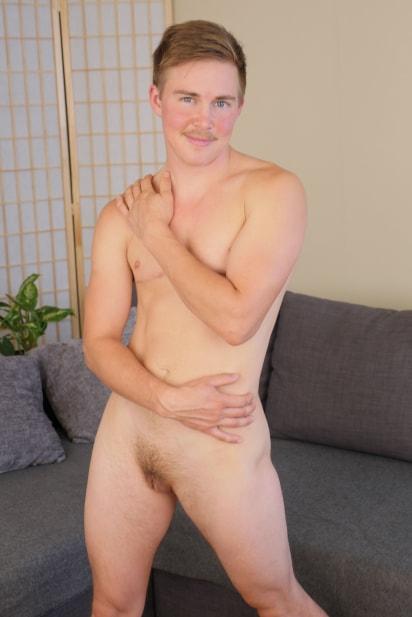 Amateur Sex Model Leif Blowher