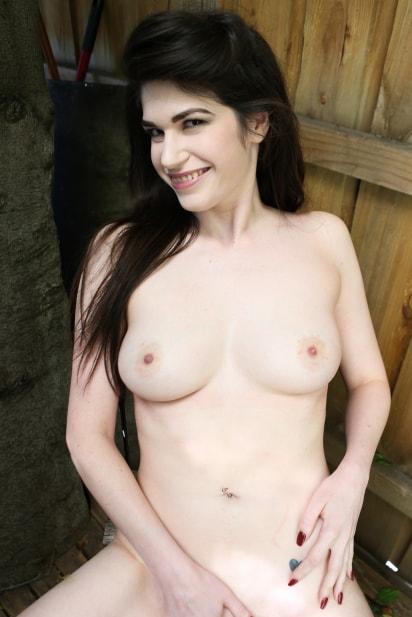 Amateur Sex Model Daliah Amor